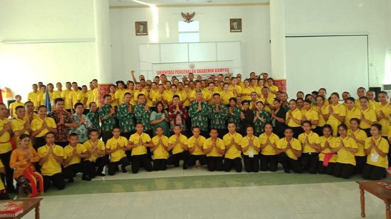 Poto bersama para pejabat dilingkungan IAHN-TP Palangka Raya dengan MABA