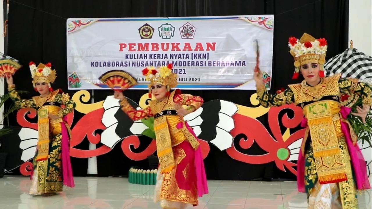 Pertunjukan Tari Kreasi Adat Bali